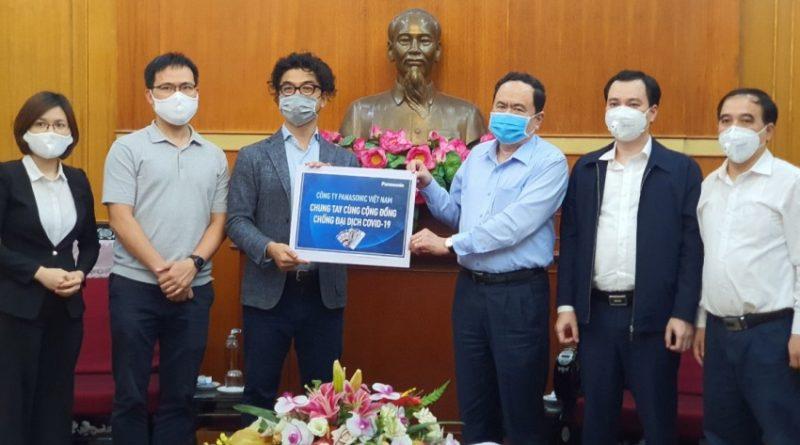 Panasonic Việt Nam tặng hơn 2 tỷ đồng chung tay chống dịch COVID-19