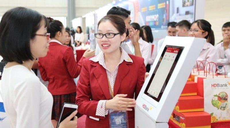 Tải app HDbank-Rinh Vespa sành điệu